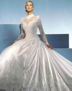 <3<3<3 This Dress....This Could Be The One Too...
