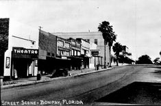 BONIFAY, FL. / PHOTOS | Photograph courtesy of the Florida Photographic Collection) LOOKING NORTH ON WAUKESHA ST.