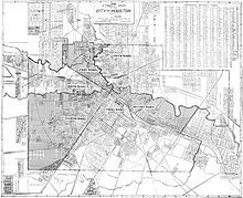 1920 map of the six wards of Houston In November 1915 a newly passed city ordinance officially abolished the wards.The ward boundaries touched each other at the intersection of Congress Street and Main Street. The third was situated to the southeast. Businesspeople, craftsmen, and professionals lived there. The Third Ward had fancier houses than other wards.