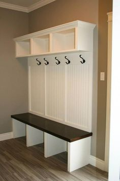 Wohnung Mudroom Installing Front PVC Or Vinyl Porch Railings Article Body: Tips and ideas for pvc an Room Interior, Interior Design Living Room, Living Room Designs, Mudroom Laundry Room, Laundry Room Design, Home Projects, Home Remodeling, House Design, Organization
