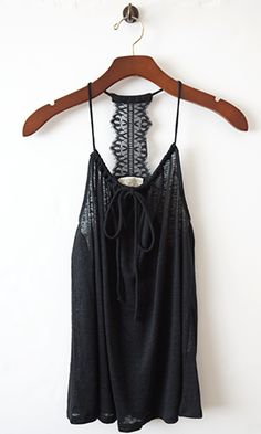 Love this tank! Perfect with skinny jeans and booties for Spring!