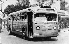 Imagem dos antigos ônibus GM a gasolina, similares aos de New York, que circulavam no Rio nos anos 40 50 até o surgimento dos lotações, por volta de 1952