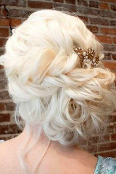 Coiffure De Mariage Description Featured Hairstyle: Hair and Makeup by Steph www. Prom Hairstyles For Long Hair, Wedding Hairstyles For Long Hair, Headband Hairstyles, Hairstyle Ideas, Hairstyle Wedding, Stylish Hairstyles, Updo Hairstyle, Hair Ideas, Wedding Makeup Tips