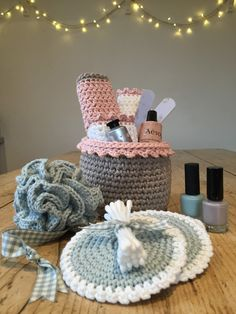 Free patterns - Crochet Pamper Set