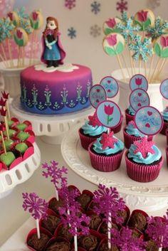 festa frozen decoração delicada - Pesquisa Google Anna Frozen Cake, Anna Cake, Frozen 2, Frozen Themed Birthday Party, Disney Frozen Birthday, 4th Birthday, Frozen Party Decorations, Craft Party, Party Printables