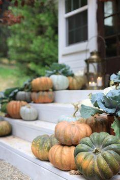 Natural decorating- pumpkins, leaves #falldecor