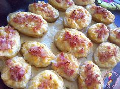 papas rellenas al - Recetas - Sprouts, Recipies, Baking, Vegetables, Ethnic Recipes, Oven, Bench Seat, Baked Squash, Snacks