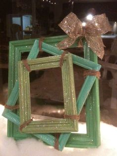 Thinking Outside The Box, A Square Christmas Wreath From Old Picture Frames