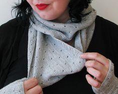 Ravelry: mirri cowl pattern by Ambah O'Brien