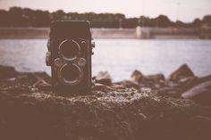 En este post voy a comentar algunas de las innovaciones en fotografía que cambiaron este arte para siempre.  Hoy en día hacer una fotografía es de lo más sencillo. Dejando de lado las técnicas más o menos complejos. El simple acto de hacer una foto está al abasto de todo el mundo.   #historia #innovaciones #inventos