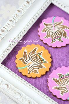 Flower cookies using negative space  Bake in Paris: September 2010