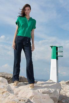 Chemise verte en lin et pantalon en lin bleu marine été #ZYGA #collectionSummer16  http://www.zyga.fr/spring-summer-2015/ #Fashion #Chic #decontractee #confort #Fashionbrand #Clothes #green #lin #Shirt #Pant #Shopping #Summer #Tendances #Mode #Style #fashionaddict #fashionstyle #trends #Marseille Découvrez tous nos points de vente : http://www.zyga.fr/point-de-ventes/