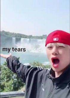 When I hear any deep and sad bts song T^T Bts Memes Hilarious, Cute Memes, Stupid Memes, Funny Relatable Memes, Bts Meme Faces, Funny Faces, Lili Marleen, Reaction Face, Response Memes