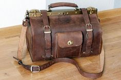 Medium Size Doctor Bag Genuine Brown Leather by LeatherVM on Etsy Leather Men, Brown Leather, Gladstone Bag, Medical Bag, Frame Bag, Leather Bags Handmade, Leather Purses, Leather Satchel, Purses And Bags