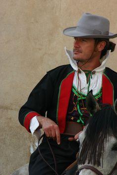 SPAIN - Valencia horse rider https://flic.kr/p/6WdtTF   BELLISCEDDU !   su mellusu ! Costume di Teulada