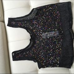 Super Cute Fun Cropped Top Ready for a new home (Not forever 21 just listed under) Forever 21 Tops Crop Tops