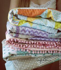 Купить Лоскутное одеялко для новорожденных - разноцветный, одеяло, одеяло пэчворк, одеяло для новорожденного, одеяло лоскутное