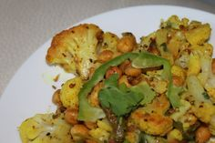 Achari Gobi (Pickled Cauliflower with Garbanzo beans and Bell peppers)