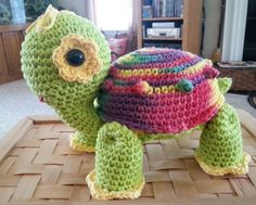 Cute crocheted turtle my sis Colleen made. Love it! ❤