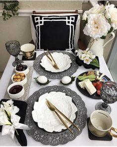 Dinner Table, Dessert Table, Breakfast Table Setting, Breakfast Ideas, Decorating Coffee Tables, Turkish Breakfast, Table Arrangements, Brunch, Decoration Table
