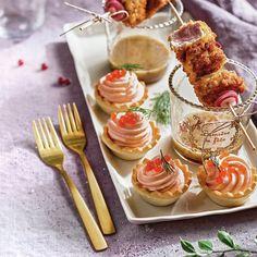 Recetas con salmón ahumado (26 recetas) Seafood, Tableware, Gourmet, Marinated Salmon, Tomato Jam, Appetizer Recipes, Finger Foods, Smoked Salmon, Sea Food