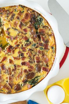 Crustless Bacon, Spinach, and Mushroom Quiche