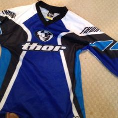 Like new youth small dirt bike jersey Like new  Thor Tops