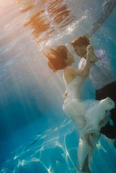 Ethereal Underwater Trash the Dress Session | Images by Alyssa Campbell Photography