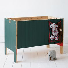 Cribs and children's fur­ni­ture from XO — In My Room. Hand­made in Spain by three broth­ers. Handmade Childrens Furniture, Recycled Furniture, Nursery Furniture, Kids Furniture, Ideas Habitaciones, Cool Kids Rooms, Baby Room Decor, Kid Spaces, Baby Cribs