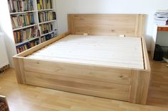 postel z masivu s úložným prostorem: Robin 180x200 cm, čelní výklopný rošt v celku, dřevina: dub, povrch: čirý olej Wood Bed Design, Bed Frame Design, Wood Beds, Metal Beds, Box Bed, Simple Bed, Interior Design Kitchen, Home Projects, Home Goods