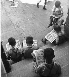 John Gutmann, Kids reading comics. San Francisco. 1938