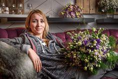 Portrait der Floristin Nadine Weckardt der Fernsehsendung ARD-Buffet. Reportage im Auftrag der Haymarket Media GmbH für die Floristik-Fachzeitschrift G&W