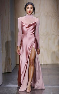 Jonathan Simkhai Fall 2019 Ready-to-Wear Collection - Vogue The complete Jonathan Simkhai Fall 2019 Ready-to-Wear fashion show now on Vogue Runway. Look Fashion, High Fashion, Fashion Design, Fall Fashion, Vogue Fashion, Womens Fashion, Dress Up, Dress Outfits, Fashion Outfits