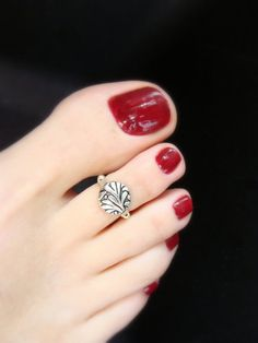 Toe Ring  Floral Leaf Pattern  Silver Metal Stretch Bead Toe Ring by FancyFeetBoutique, $5.25