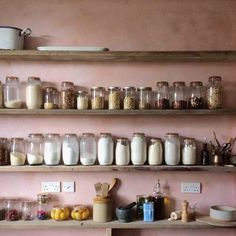 Rose quartz plaster walls for a rustic Mediterranean look