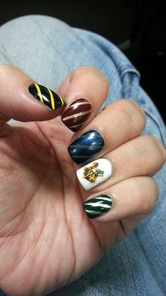 harry potter nail art   nails black gold yellow red silver green blue grey Hogwarts decal white stripes nail art harry potter house colors nail polish Gryffindor slytherin ravenclaw hufflepuff
