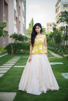 Love this lemon yellow peplum lehenga blouse with white plain lehenga skirt. Long Gown Dress, Lehnga Dress, Lehenga Blouse, The Dress, Lehenga Skirt, Indian Designer Outfits, Indian Outfits, Designer Dresses, Designer Clothing