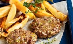 Venison burger   At just 295 calories, this burger makes a great low fat dinner. Cook with salad or homemade guacamole to keep your meal super healthy.
