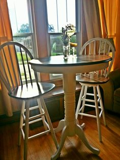 Beautiful Refinished Pub Table. The Stools Turn Easily And Are Very Sturdy.  Repainted,