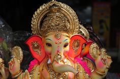 Ganesh Chaturthi Festival: Where and How is it Celebrated in India: Lord Ganesh statue.