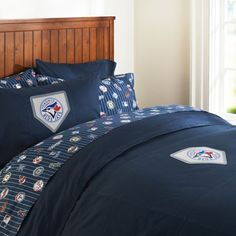 Surprising Grant with a Texas Rangers bedroom makeover! Love this bedding.maybe this for Ryan's Room? Sports Bedding, Teen Bedding, Bedding Sets, Baseball Bed, Baseball Stuff, Pottery Barn Teen, Toronto Blue Jays, Texas Rangers, Rangers Gear