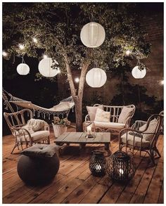 42 small terrace garden decoration ideas 4 ideas garden You are in the right place about enclosed patio Here we offer you the most beautiful pictures about the backyard pat Small Terrace, Terrace Garden, Garden Seating, Backyard Seating, Tree Garden, Garden Water, Garden Oasis, Backyard Pergola, Outdoor Seating