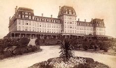 PASADENA:  The original Raymond Hotel (opened 1886, burned to the ground 1895) - Wikipedia