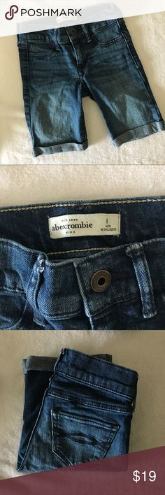 Abercrombie Kids Shorts Girls size 8, but Abercrombie Kids tends to run on the small side in my opinion. Measurements posted in photos. In very Nice condition. Only worn a time or two. abercrombie kids Bottoms Shorts