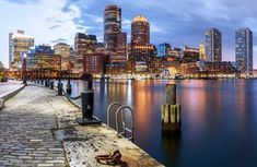 View top-quality stock photos of Sunset Boston Skyline Massachusetts America. Find premium, high-resolution stock photography at Getty Images. Boston Attractions, Boston Neighborhoods, Boston Things To Do, Free Things To Do, Boston Skyline, New York Skyline, Best Hotels In Boston, Duck Tour, Mystic River