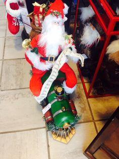 In a flash of #RedWhiteAndGreen Santa is cruisin' around #Wonderland!