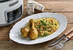 Reteta de orez cu pui si legume la Crock-Pot este ideala cand nu mai stim ce sa gatim si vrem sa realizam un preparat gustos si usor de facut. Carne, Crockpot, Slow Cooker, Stuffed Peppers, Chicken, Food, Martha Stewart, Instant Pot, Youtube