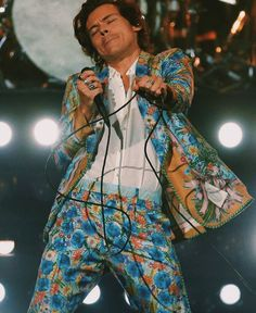 Harry Styles Lockscreen//Wallpaper//Fondo de Pantalla (Live On Tour-San Jose,CA-July