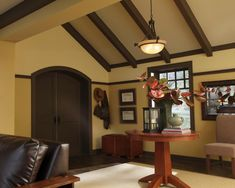 Craftsman ceiling & wainscoting treatment