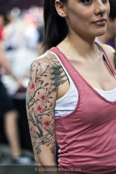 if i was brave enough to do an upper sleeve tattoo this orchid one rocks my socks!! <3